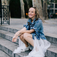 Interview with Beckie Warren, the Art-Loving Founder of GirlSeesArt